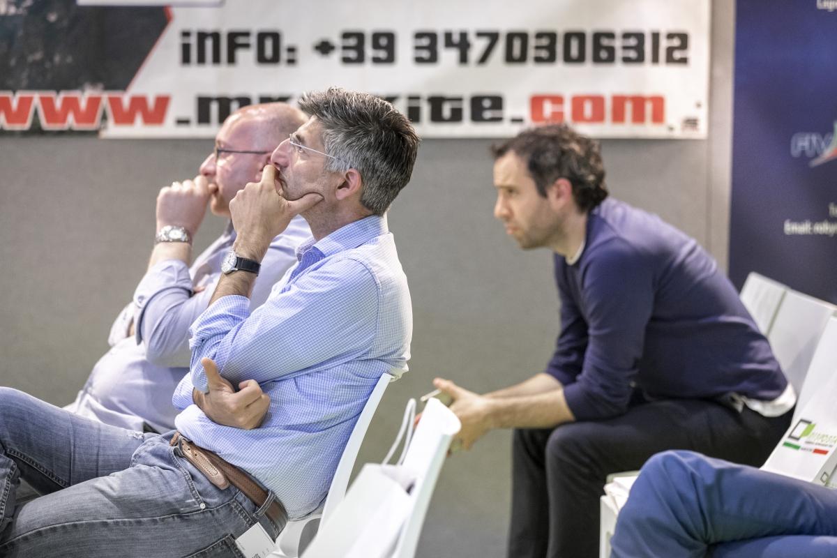 momento di ascolto durante il convegno con gli architetti di Brescia